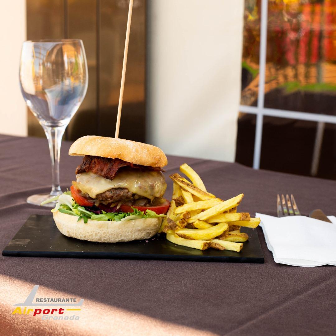 origen de la hamburguesa restaurante Airport cariño